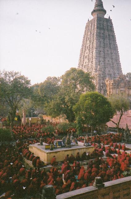 2003年にカーラチャクラ灌頂が行われた時のインド・ブッダガヤ