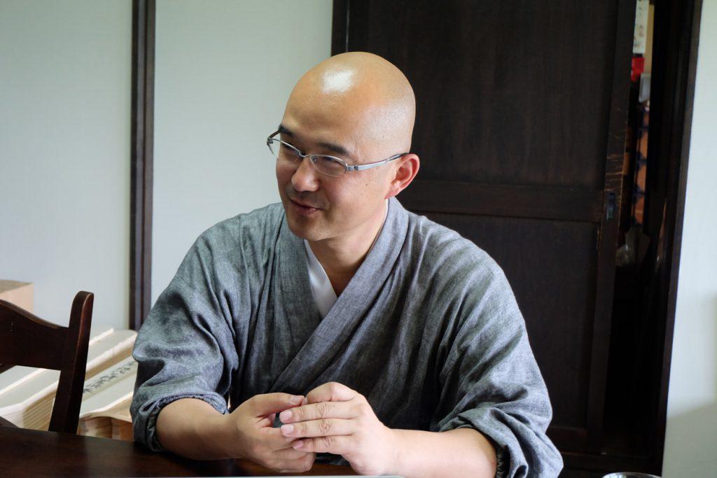 長谷寺住職の岡澤慶澄さん